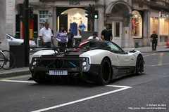 Pagani Zonda Cinque Roadster (Richard de Heus) Tags: red white black london cinque zonda roadster pagani sloanestreet 1of5