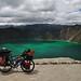 Con la bici sul bordo della laguna Quilotoa