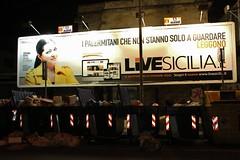 live Sicilia (Francesco Lo Presti) Tags: italy italia luci palermo sicilia stefania pubblicit sacchetti illuminazione giornale tabellone cassonetti spoco immodizia spocizia francescolopresti loprestifrancesco