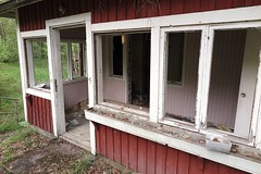 2016-05-18_04-56-23 (tommikv) Tags: abandoned forgotten abandonedhouse desolate derelict hyltty autiotalo