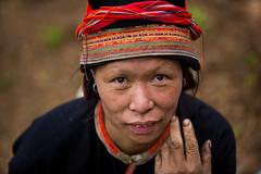 Vietnam: femme de l'ethnie des Dzao rouge. (claude gourlay) Tags: portrait people woman face asia retrato femme vietnam asie ethnic dao minority ritratti indochine tonkin hagiang reddao ethnie minorit claudegourlay dzaorouge