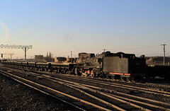 I_B_IMG_7249 (florian_grupp) Tags: china railroad sunset train point landscape asia mine desert muslim railway steam xinjiang mikado locomotive coal js steamlocomotive 282 opencastmine stabling sandaoling xibolizhan