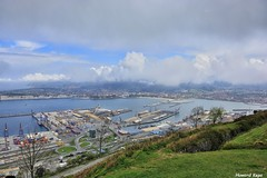 Puerto de Bilbao. (Howard P. Kepa) Tags: puerto barcos euskadi paisvasco getxo santurtzi marcantabrico riadelnervion