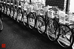 bicycle shop () Tags: people bicycle japan shop night 35mm tokyo blackwhite asia asien leute traffic time nacht transport location getty vehicle  sw nippon  geography verkehr geschft fahrrad kodaktmax400 dunkel gettyimages tachikawa  tokio    contaxg1       negativefilm schwarzweis timeofday  negativfilm    kbfilm