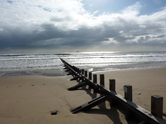 Mid-May moring at Aberdeen Beach (iainh124a) Tags: uk beach lumix coast scotland waves panasonic aberdeen northsea groyne tz7 dmczs3 iainh124a dmctz7 zs3