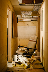 lonely office chair (Sam Scholes) Tags: building abandoned yellow trash digital hall utah office garbage chair nikon mine tan mining hallway coal officechair hiawatha d300 kingcoal kingmine usfco unitedstatesfuelcompany