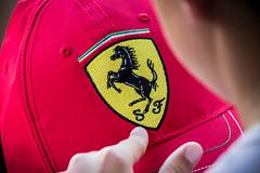 Tocando pasin (agarca) Tags: sf red canon logo caballo eos 1 is rojo f1 ferrari passion formula gorra formula1 scuderia touching tocando pasion simbolo 55250 1100d