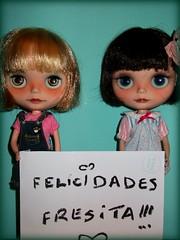 FELICIDADES ELENA!!!!te mandamos un beso muy grande
