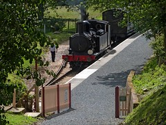 Calbourne back home ..... (BOB@ wootton) Tags: station railway steam isle wight iow wootton calbourne iowsr