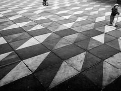 Pitty-Patty Pattern (pxlline) Tags: switzerland streetphotography pattern child candid zrich street ch