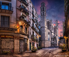 Basilica de Santa Maria del Mar, Barcelona (dleiva) Tags: barcelona street church de la calle basilica go gothic iglesia catalonia catalunya domingo barrio catalua ribera gotico leiva dleiva