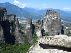 Meteora (bogdan_de_varsovie) Tags: rock landscape scenery europa europe outdoor hill greece meteora grecja meteory thessaly krajobraz wzgrze tesalia skaa sceneria