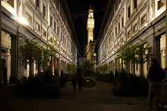 Florenz bei Nacht020 (Roman72) Tags: italien architecture stadt architektur firenze nightshots oldcity ville florenz nachtaufnahmen
