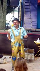 IMGP4041 (jmarconi) Tags: brazil braslia df indian clown dia brazilian praa poesia 1904 palhao indigenous ndio malabarismo palhaada asasul 19deabril galdino diadondio paradapotica