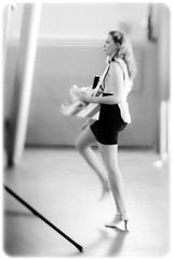 steppin' out (TheOtherPerspective78) Tags: vienna wien party woman rock lensbaby walking high legs leg mini skirt goods blond stepping mq blonde heels tray frau dame selling verkaufen beine museumsquartier gehen kunsthalle lensbabycomposer edge80 theotherperspective78