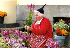 Passion for flowers! (jeansmachines24) Tags: hat outdoors costume market national madeira funchal flowerseller