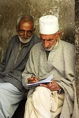 Concentration (Kashmir, India) (Jarjan) Tags: kashmir srinagar nishat