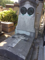 Tombe du couple Ampre, cimetire de Montmartre (Mathieu Faure) Tags: paris montmartre cimetire ampre
