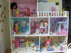 Dollhouse: Complete View