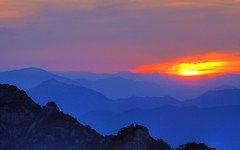 Sunrise  At  Mt.Huangshan