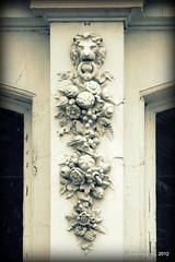 Kew - Mouldings (Rednaxela13) Tags: people bw kewgardens monochrome kew canon eos mono objects manmade tamron botanicalgardens royalbotanicalgardens alexhughes 60d canoneos60d tamron70300mmvc ©alexhughes alexanderhughes