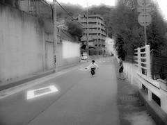 Shashin - DSCN4648 (Mathieu Perron) Tags: life city bridge people bw white black monochrome japan nikon noir perron hiking daily nb journey rokko  mp mont blanc japon personne ville gens vie mathieu   sjour randonne trecking     quotidienne      p520   zheld