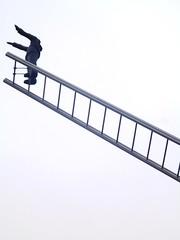 How to Meet an Angel (magellano) Tags: sculpture art amsterdam arte clinic clinica psychiatric scultura eersteconstantijnhuygensstraat psichiatrica ilyaemiliakabakov howtomeetanangel