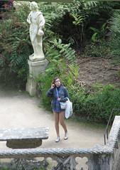 Lost her way? (SeppoU) Tags: portugal canon sintra snapshot tourist april turisti unescowhs portugali huhtikuu powershots5is näpsy copyleftby seppouusitupa
