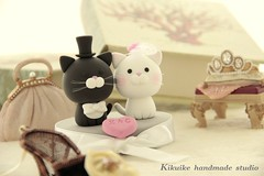 LOVE ANGELS Wedding Cake Topper-love cat,love kitty (charles fukuyama) Tags: wedding blackandwhite cute birdcage cat miniature couple anniversary kitty bowtie sweetheart lovely justmarried sculpted initials headdress cakedecoration weddingcaketopper customcaketopper bridalhair claydoll handmadewedding animalscaketopper catscaketopper kikuike