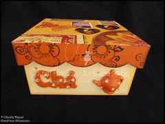 """Caixa de ch """"Sofisticated Orange"""" (GataPreta Artesanato) Tags: crafts artesanato caixa dcoupage decorao pintura teabox ch caixadech"""
