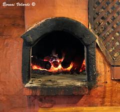 Oven - Horno de Lea (Bernai Velarde-Light Seeker) Tags: wood america canon fire quito ecuador south sur fuego horno lea velarde pichincha overn bernai eos50d bernaivelarde