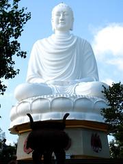 white buddha (astroboy_71) Tags: travel white color colour colors statue colorful asia southeastasia colours view buddha large vietnam nhatrang longsonpagoda whitebuddha southeastasiaimages