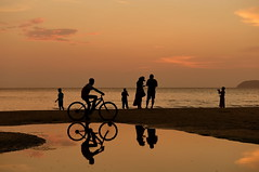 Witness the sunset (Jenny NLF) Tags: sunset beach bicycle reflections borneo sabah tanjungaru nikond800 vision:sunset=0883 vision:outdoor=0767 vision:sky=0777