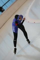 2B5P3123 (rieshug 1) Tags: 500 3000 tilburg 1500 1000 nk dames schaatsen speedskating eisschnelllauf junioren junb nkjunioren ireenwustijsbaan gewestnoordbrabantlimburgzeeland