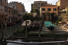 venezia 160403_287 (gmcvrphoto) Tags: edificio finestra acqua venezia riflessi architettura canale allaperto