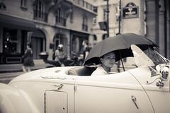(Photo-LB) Tags: street portrait paris france noiretblanc voiture collection streetphoto capitale rivoli larue panne