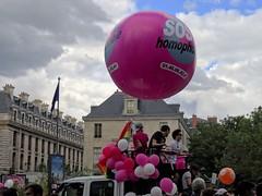 SOS Homophobie (Jeanne Menjoulet) Tags: marchedesfiertés lgbt paris 2juillet2016 lesbiangaypride gay lesbiennes bi trans gaypride pride soshomophobie lbgt