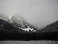 Over the pass (bOw_phOto) Tags: lumix olympus panasonic cascades i90 omd snoqualmiepass lakekeechelus em5 45200