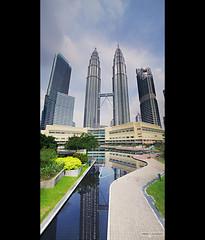 Petronas Towers of KL (ar3ku) Tags: voyage travel family famille black frames asia petronas towers malaysia huge asie kualalumpur tours kl immense bandes 2012 malaisie noires tamron1750f28 vertorama pentaxk7
