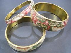 Quilted Fabric Bracelets (Suwani) Tags: bracelets brass floralbracelet quiltedfabrics quiltedbracelet quiltedfabricbracelet