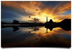 Janji Tuhan Pasti Berlaku... (AnNamir c[_]) Tags: sunset lake reflection landscape mirror nikon cloudy mosque shade 1750 tamron masjid senja unedited tasik mesjid maghrib kualakubu cermin bluehours tenang frameit jemme huluselangor d300s darulquranjakim annamir masjiddq tasikhuffaz dqkkb muktasyafannamir azmanabdullah rememberthatmomentlevel4 rememberthatmomentlevel1 rememberthatmomentlevel2 rememberthatmomentlevel3 rememberthatmomentlevel5 rememberthatmomentlevel6 vigilantphotographersunite vpu2 vpu3 vpu4 frameitlevel3 frameitlevel2