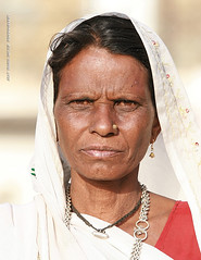 Inde - Gujarat - ગુજરાત (jmboyer) Tags: voyage travel portrait people woman india tourism girl face rural portraits canon photography photo yahoo eyes asia flickr faces photos expression retrato couleurs indian traditional picture culture tribal viajes lonely asie lonelyplanet tribe monde ethnic minority couleur tribo islamic gettyimages gujarat tourisme visage inde reportage nationalgeographic tribu kutch bhuj インド minorities travelphotography googleimage भारत géo indiatourism colorsofindia tribus incredibleindia indedunord hodka indedusud photoflickr photosflickr canonfrance earthasia photosyahoo imagesgoogle ©jmboyer northemindia gu4043 photogéo nationalgeographie photosgoogleearth
