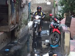"Bakti Sosial Mapala Sakuntala Posko Banjir • <a style=""font-size:0.8em;"" href=""http://www.flickr.com/photos/24767572@N00/26889876240/"" target=""_blank"">View on Flickr</a>"