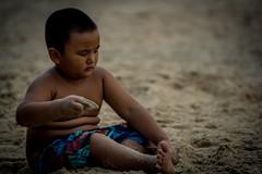 Nephew (Loc Tri Le) Tags: vacation portrait beach canon sand nephew crop sibling sensor muine 550d canon550d