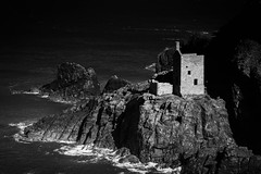 Last rays of light (oxfordwight) Tags: sea landscape mono mine cornwall mining crown botallack kernow sheashore
