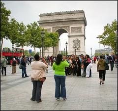 2009-09_IMG_2273_20160531 (Ral Filion) Tags: black paris france history architecture women noir arch femme arc triomphe american histoire tourisme triumphal amricain champslyses