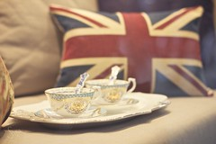 IN (sonia.sanre) Tags: england coffee mugs cafe europe tea flag countries together bandera te tradition typical referendum cushion stay cojin tradicion brittish in tazas