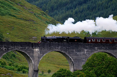 In viaggio con Harry P. (marco rubini) Tags: bridge train scotland harry potter ponte treno glenfinnan scozia