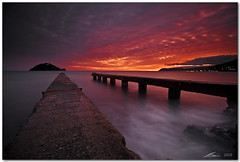 eternal glow (chris frick) Tags: longexposure light sunset sea italy motion water glow jetty filter lee albenga canonef1635mm canoneos5dmarkii chrisfrick 03soft 075hard alassion isolagalinara