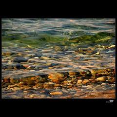 Sassi che il mare ha consumato.... (Osvaldo_Zoom) Tags: sea love nikon mare stones sassi amore d80